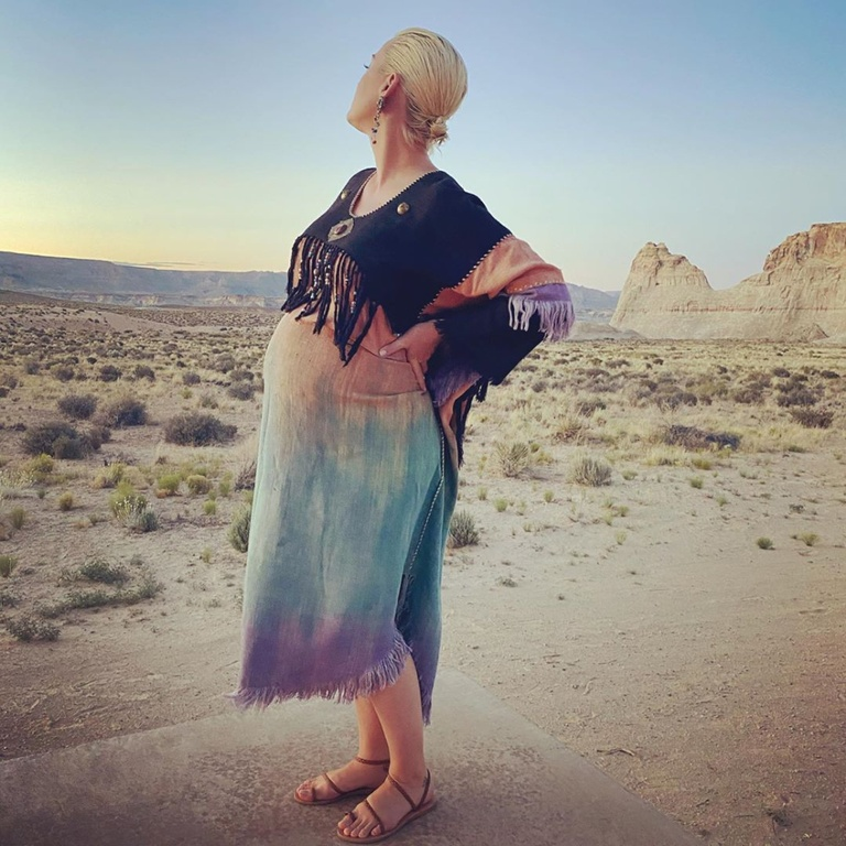 Katy Perry, Pregnant