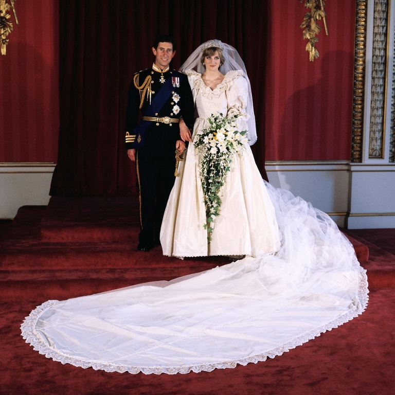 Princess Diana Prince Charles Wedding Gown