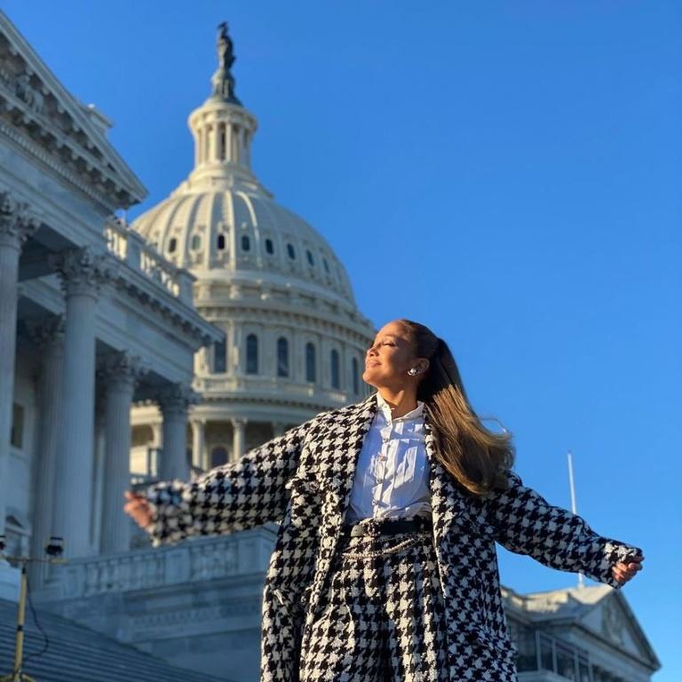 J.Lo, Washington, Style