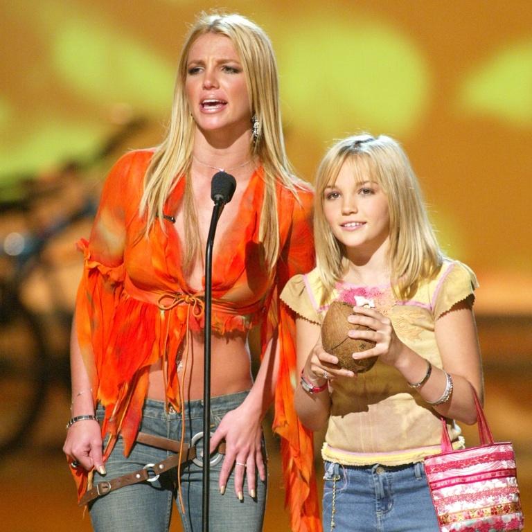 Britney Spears relationship sister