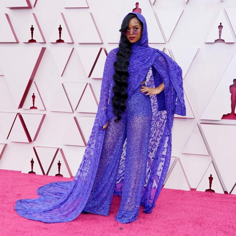 H.E.R. Oscars look, fashion