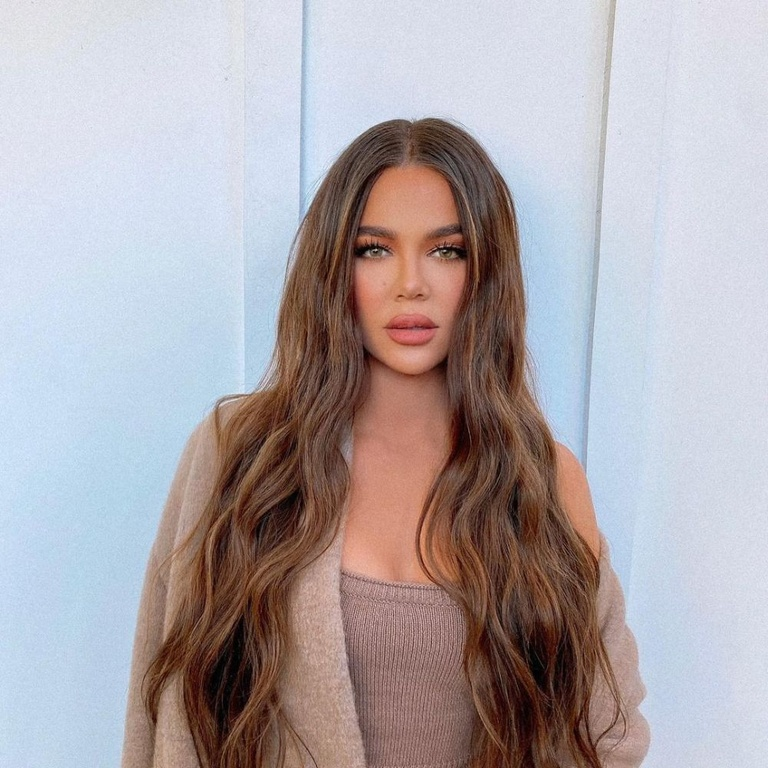 Khloe kardashian, plastic surgery