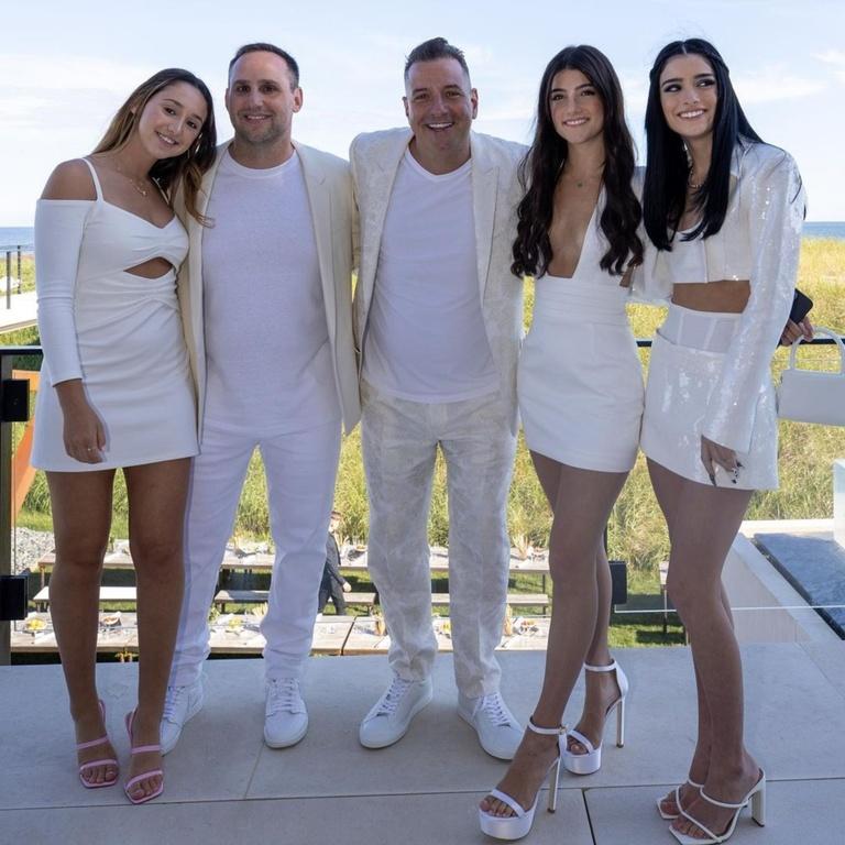 damelio sisters white party