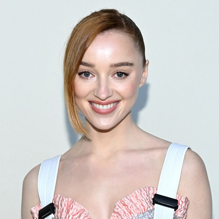 phoebe dynevor interview anxiety